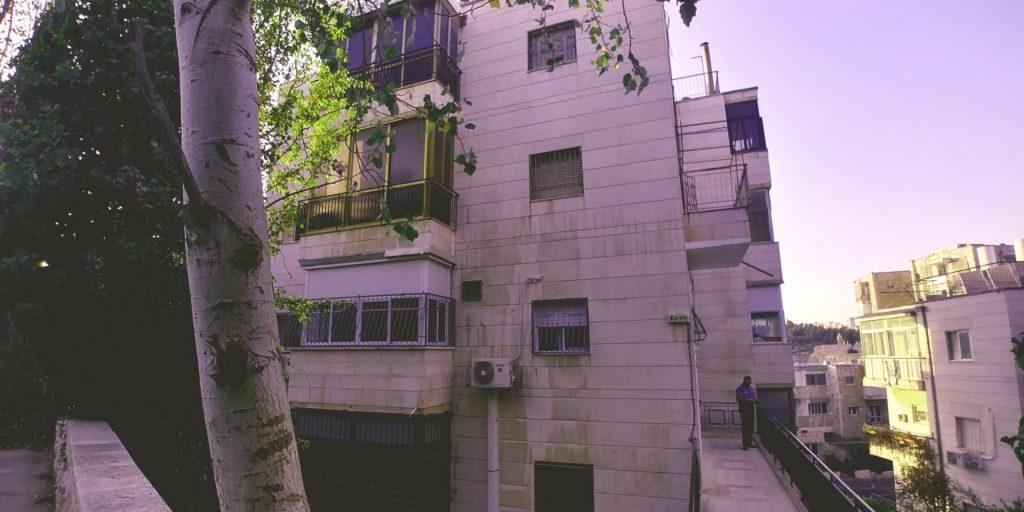הבניין ברחוב הרב חן, קרית שמואל (צילום: משה בבני)
