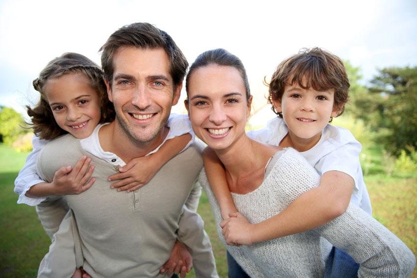 משפחה צעירה (צילום אילוסטרציה: פוטוליה)