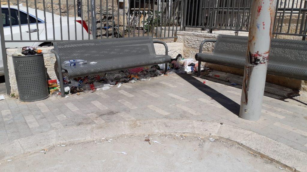 אשפה בשכונת בית ישראל (צילום: שלומי כהן)