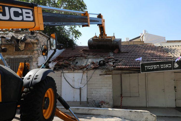 הריסת הבניינים בקטמונים במסגרת תוכנית פינוי בינוי (צילום: ששון תירם)