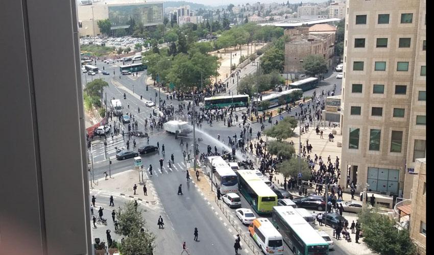 התפרעות החרדים נגד מצעד הגאווה (צילום: פרטי)