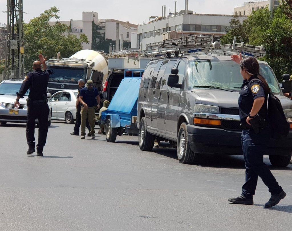 כוחות המשטרה ברחוב בית הדפוס (צילום: דוברות המשטרה)