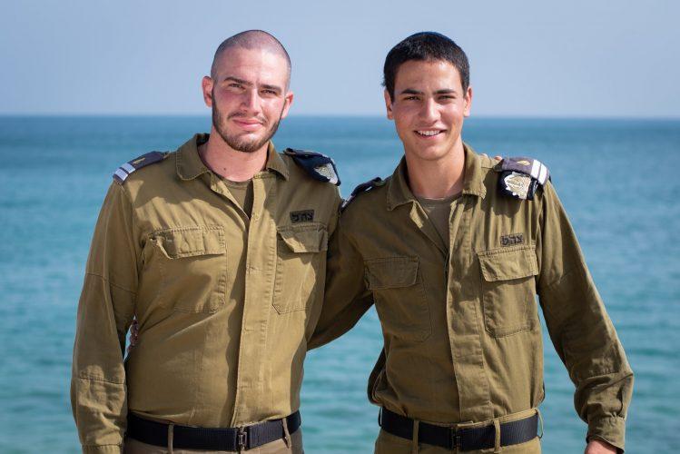 """(מימין) אלון יהודה בנטאטה, אופק ברגשטיין (צילום: דובר צה""""ל)"""