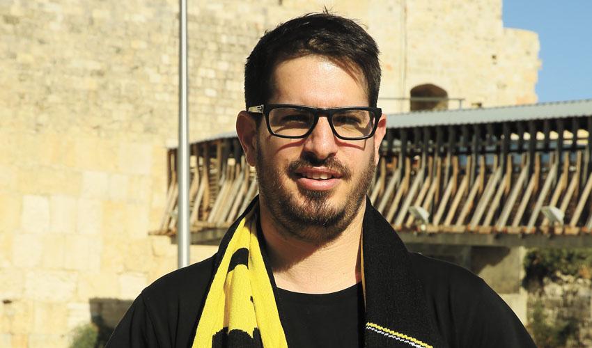 """משה חוגג, בעלי בית""""ר ירושלים החדש (צילום: ארנון בוסאני)"""