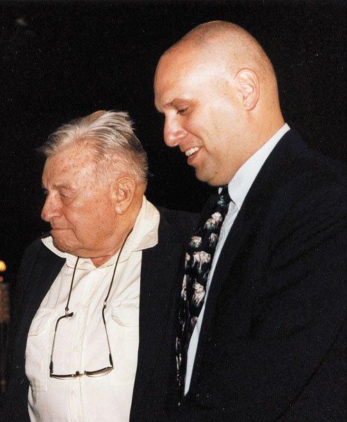 """שי דורון עם ראש העיר טדי קולק ז""""ל (צילום: )"""