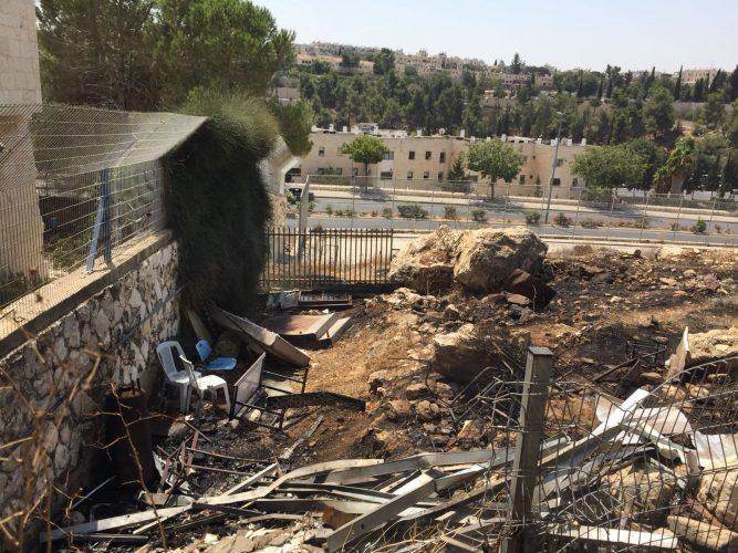 """פינוי גני הילדים בעקבות השריפה ברמות: לפי החשד האש פרצה ב""""מחששה"""" של בית ספר סמוך"""