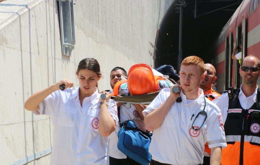 """תרגיל שריפה בקו הרכבת המהיר לירושלים (צילום: ברוך ויסמן, תיעוד מבצעי מד""""א)"""