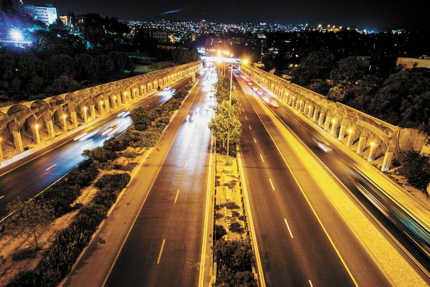 כביש בגין בלילה (צילום: שלומי כהן)
