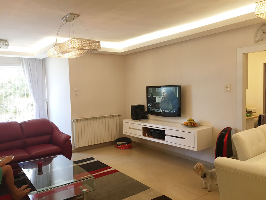 הדירה ברחוב ההגנה, הגבעה הצרפתית. (צילום: נלי אפרתי הרטום)