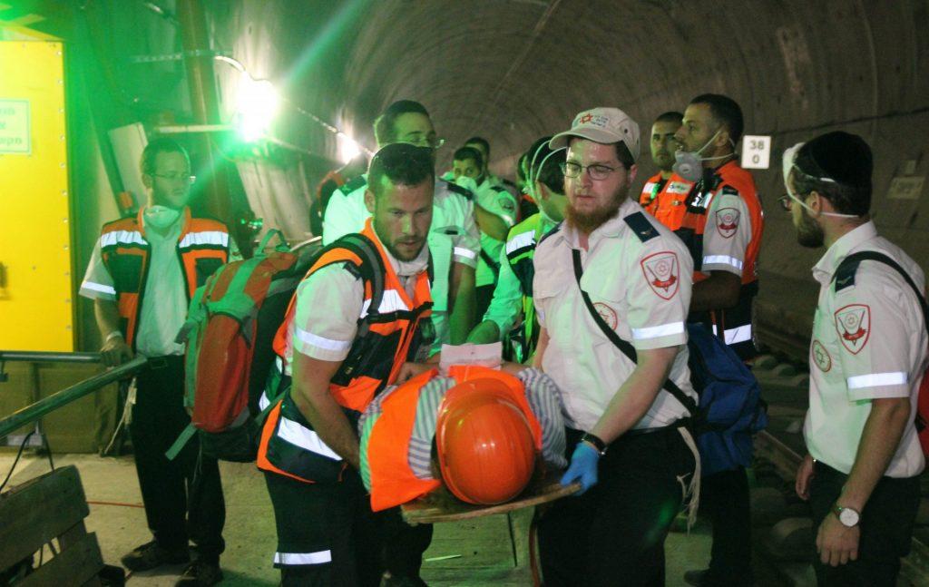 """תרגיל שריפה בקו הרכבת המהיר לירושלים (צילום: יוסף קסוטו, תיעוד מבצעי מד""""א)"""