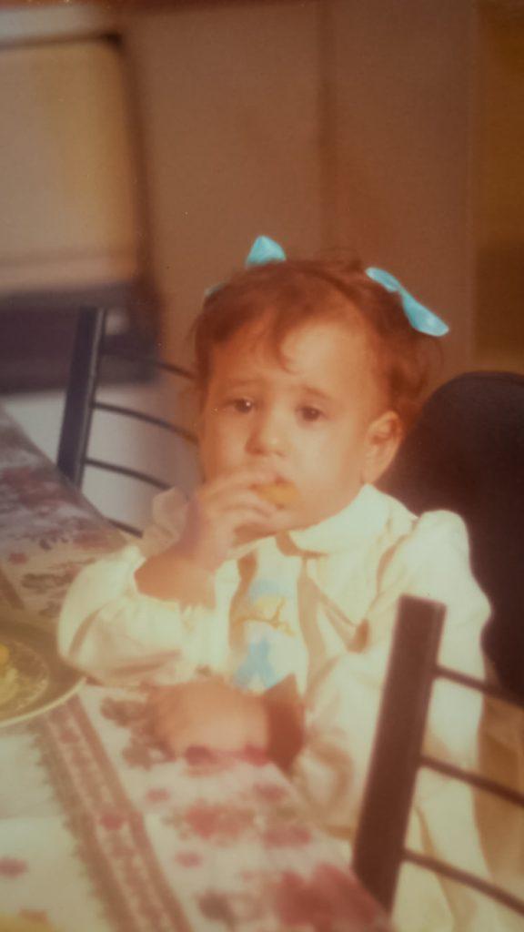 עוד קצת נוסטלגיה, רות פון שטראוס בילדותה (צילום: מתוך האלבום המשפחתי)