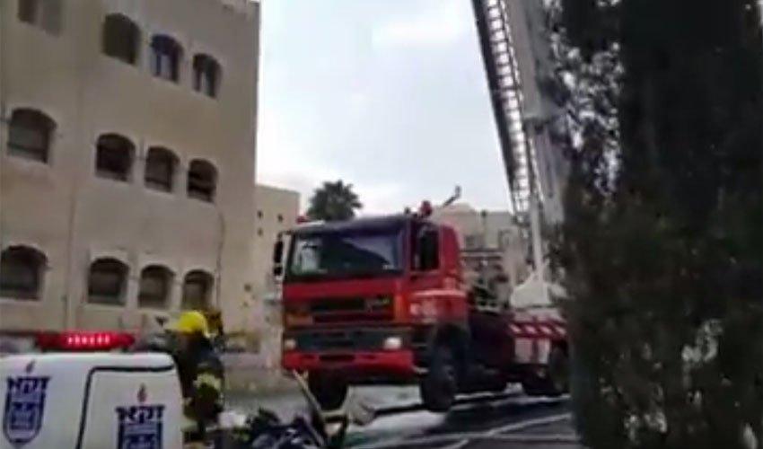 """זירת השריפה בשמואל הנביא (צילום: קבוצת כב""""ה ארצי)"""