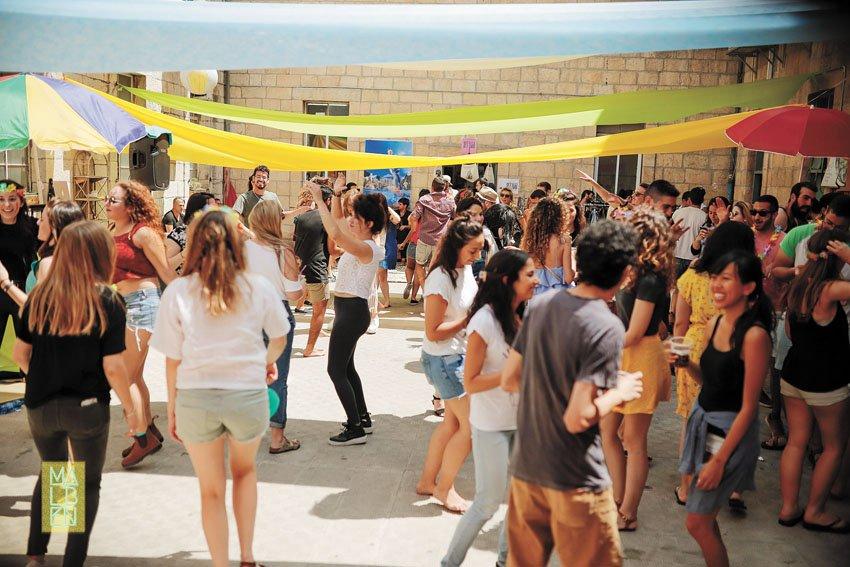 מסיבת סטודנטים במגדל דוד (צילום: ריקי רחמן)