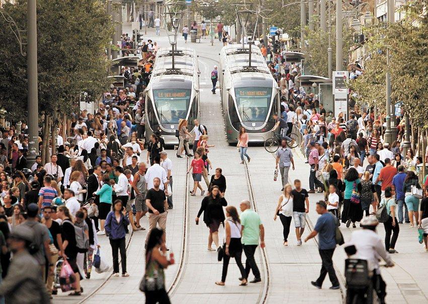 הרכבת הקלה (צילום: אורן בן-חקון)