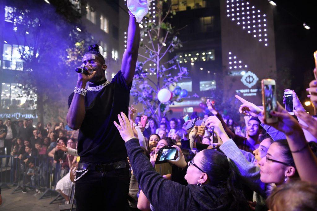 הופעה של סטפן בכיכר ציון (צילום: מוקי שוורץ)