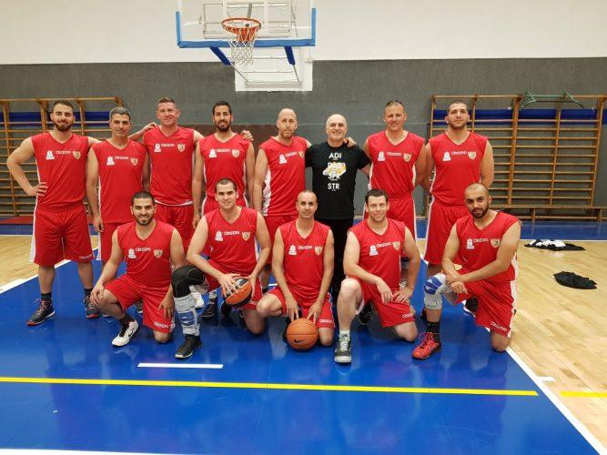 נבחרת הכדורסל של משטרת מחוז ירושלים (צילום: באדיבות משטרת ירושלים)