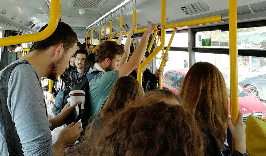 עומס באוטובוס קו 19 (צילום: פרטי)