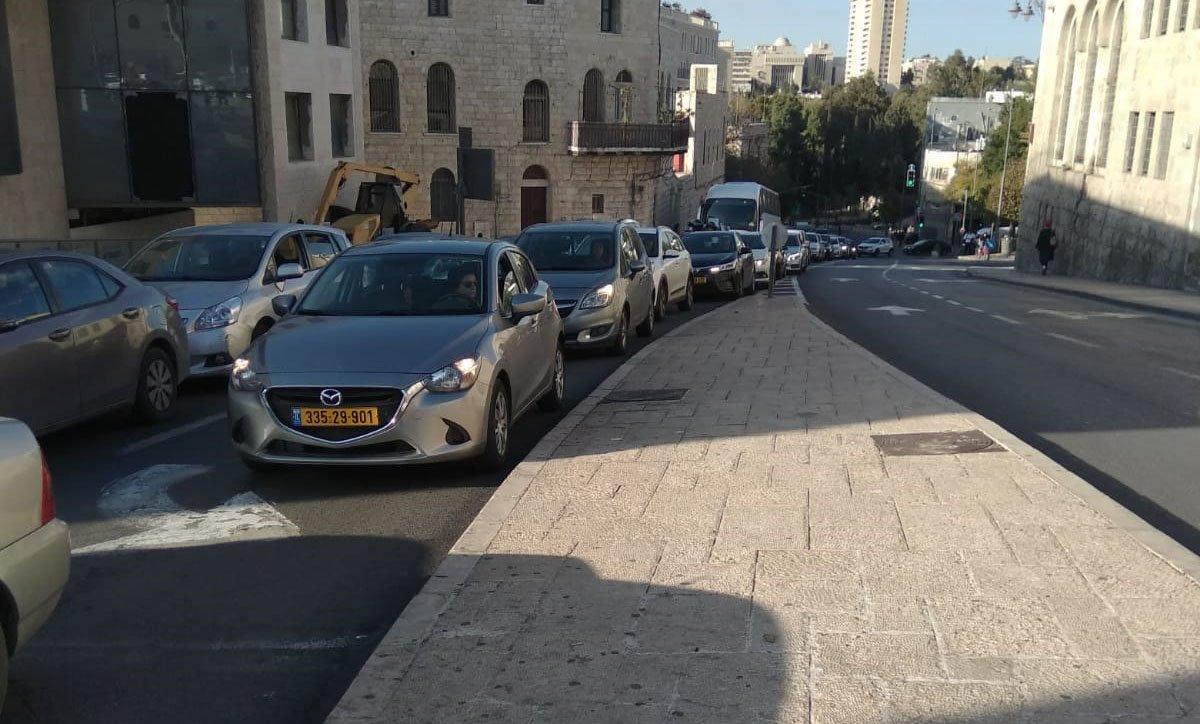 """סמוך לכיכר צה""""ל (צילום: לורה ורטון)"""