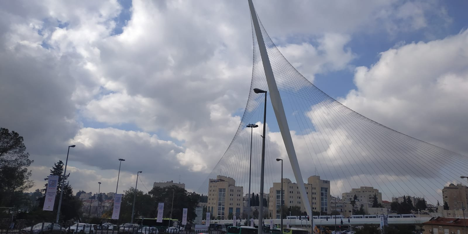 ירושלים, גשר המיתרים, עננים, חורף (צילום: שלומי הלר)