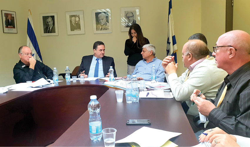 פגישת העבודה בין בני כשריאל לישראל כץ (צילום: עיריית מעלה אדומים)