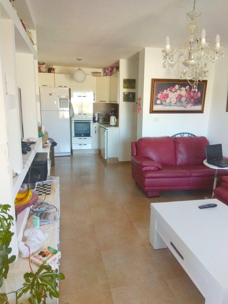 הדירה ברחוב האודם, גילה (צילום: בנימין זרביב)
