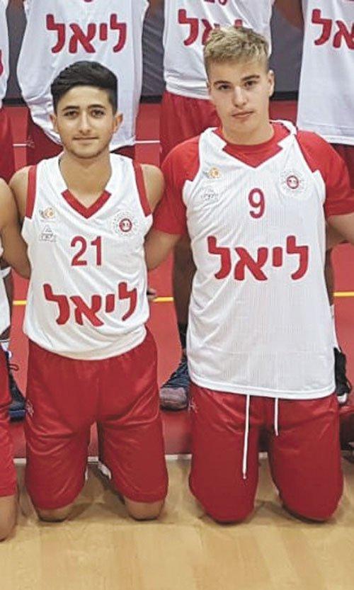 אלון ברזילי ובן שקורי (צילום: באדיבות הפועל 'בנק יהב' ירושלים)