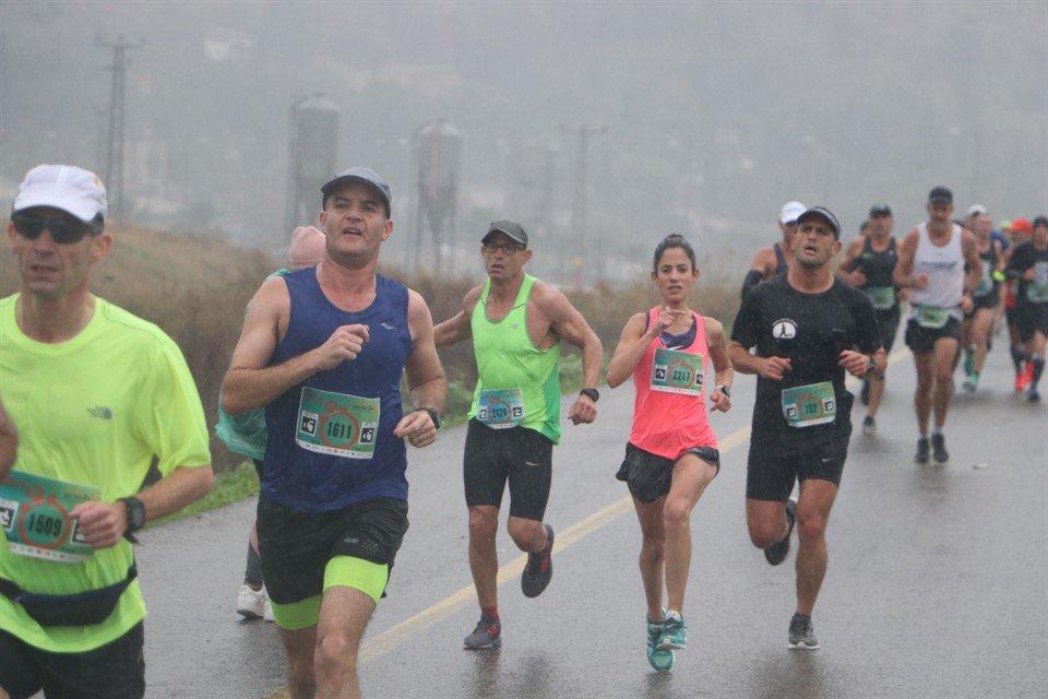 רותי זינדל-אוכמן בחצי מרתון עמק המעיינות צילום: צלמי שוונג - Shvoong.co.il)