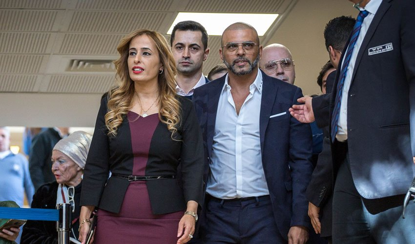 אייל גולן וחברת הכנסת נאוה בוקר, אתמול בכנסת (צילום: אמיל סלמן)