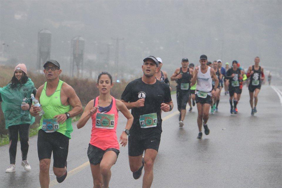 רותי זינדל-אוכמן בחצי מרתון עמק המעיינות (צילום: צלמי שוונג - Shvoong.co.il)