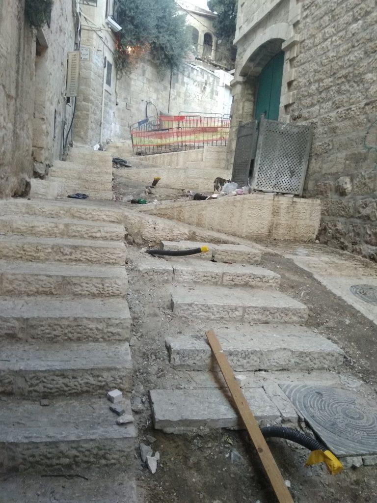 העבודות בעיר העתיקה (צילום: לורה ורטון)