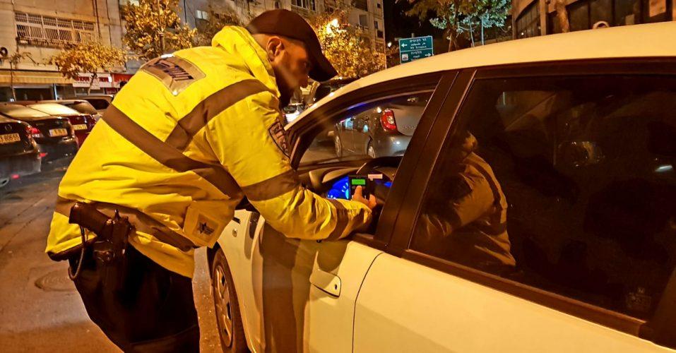 פעילות משטרת ירושלים בליל הנובי גוד והסילבסטר (צילום: דוברות המשטרה)
