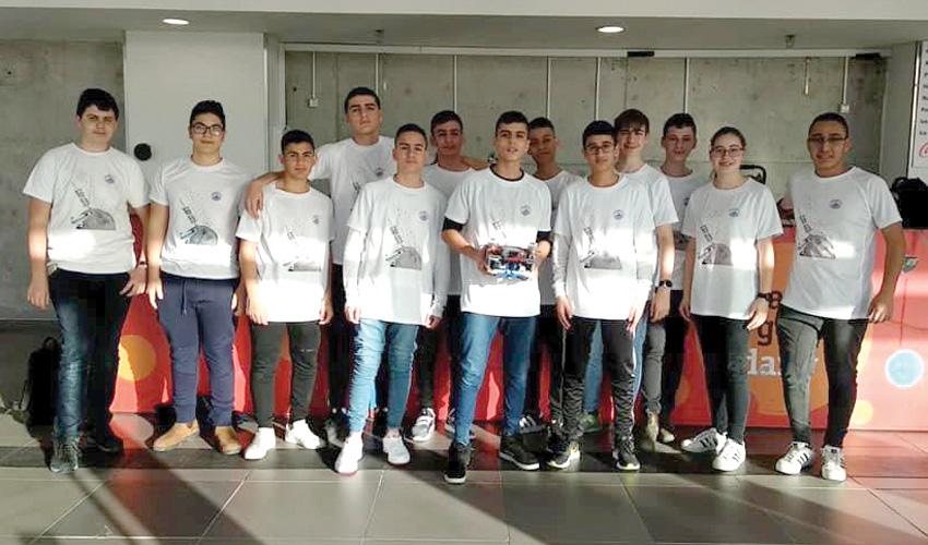 נבחרת הרובוטיקה של חטיבת הביניים אורט תעופה וחלל (צילום: עיריית מעלה אדומים)