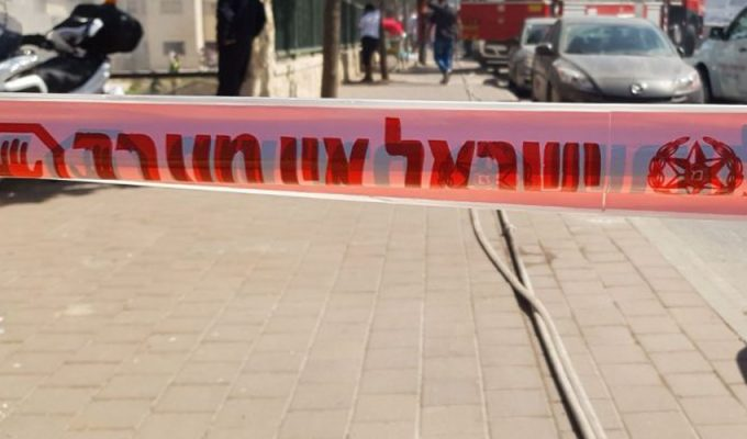 זירת השריפה בדרך חברון (צילום: דוברות המשטרה)