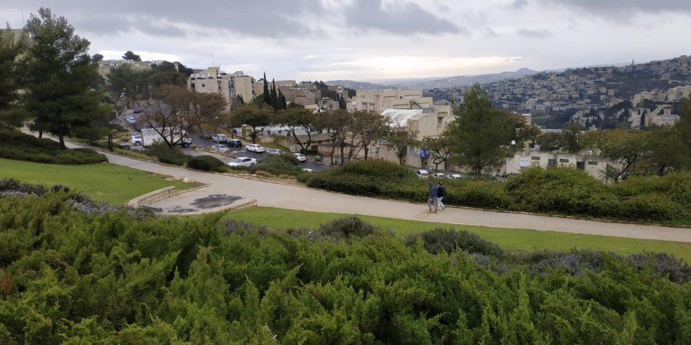 התוכנית החדשה להקמת חניון אוטובוסים בארמון הנציב: החל קרב הבלימה של התושבים והמינהל