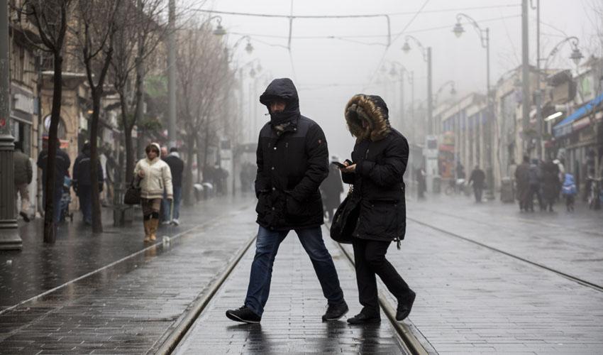 חורף קור גשם ירושלים (צילום: אוליבייה פיטוסי)