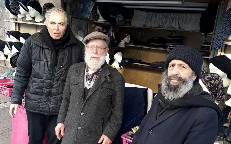 מימין: רמי בן עזרא, עמרם קונקי, אהרון כהן - הרוכלים שעיריית ירושלים רוצה לפנות מכיכר השבת (צילום: פרטי)