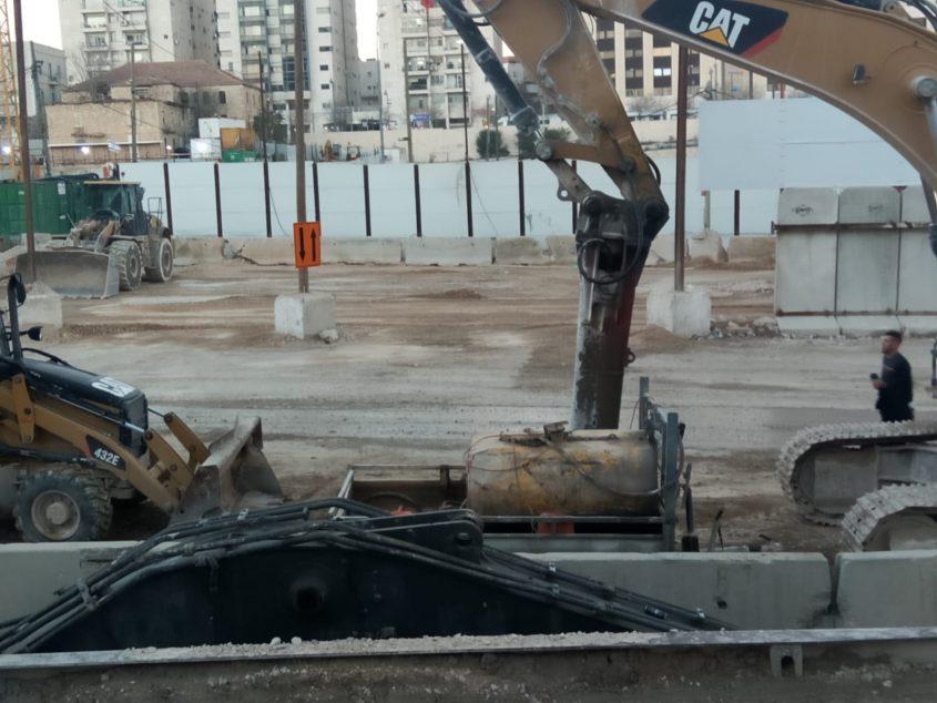 העבודות להקמת חניון האוטובוסים במשכנות האומה (צילום: יעקב ארמן)