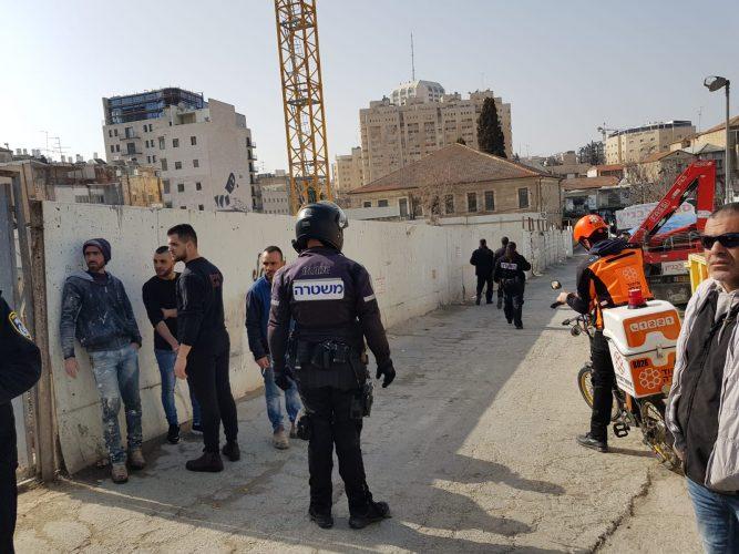 מרכז העיר: פועל נהרג לאחר שנפל ממרפסת באתר בנייה