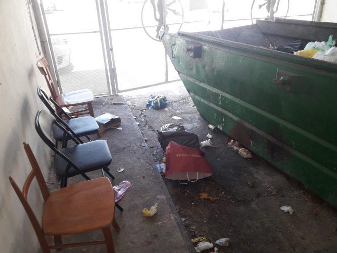 חדר האשפה ברחוב הסיגלית בגילה (צילום: דודו עובדיה)