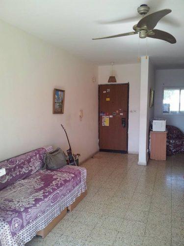 הדירה ברחוב מרדכי אלקחי, ארמון הנציב (צילום: לין ליפשיץ)