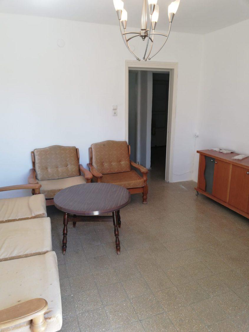 הדירה ברחוב גורדון, קרית היובל (צילום: אסי רפאל)