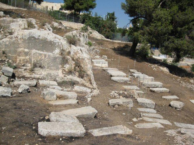 בית הקברות הקראי (צילום: עמק שווה)