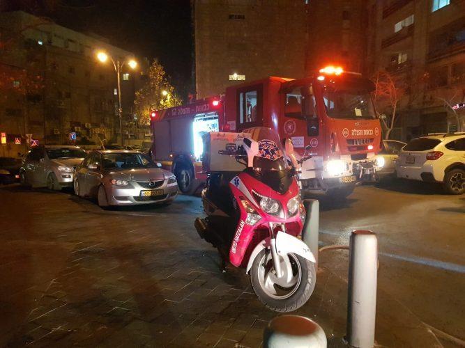 זירת השריפה ברחוב ינאי (צילום: מרדכי עובד, תיעוד מבצעי - איחוד הצלה)