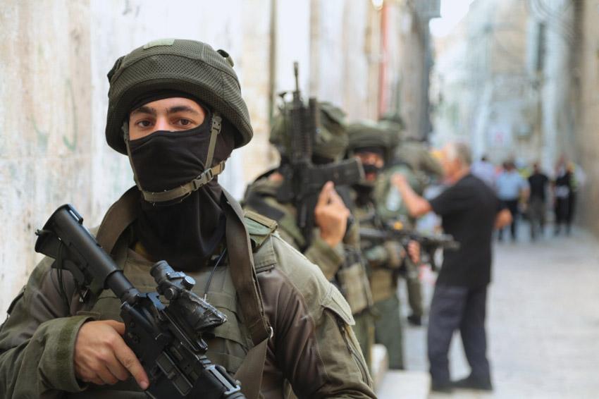 חיילים ושוטרים בהר הבית (צילום: דוברות המשטרה)