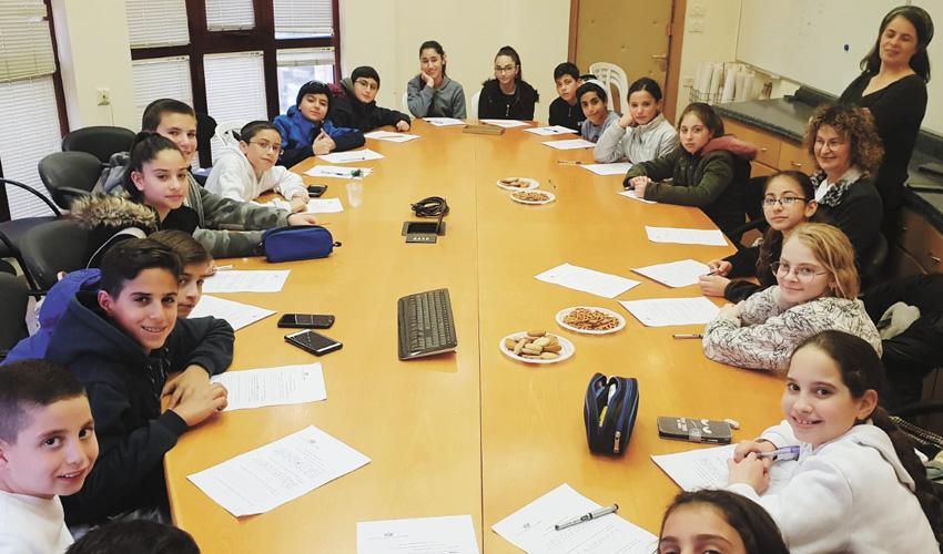 המפגש בנושא מיזם ארוחה משפחתית, השבוע (צילום: עיריית מעלה אדומים)