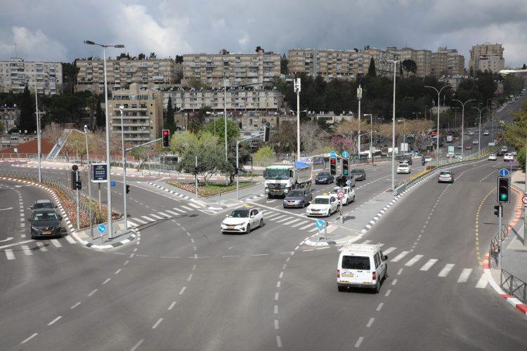קרית היובל, גשר מלחה, רחוב גולומב (צילום: שלומי כהן)