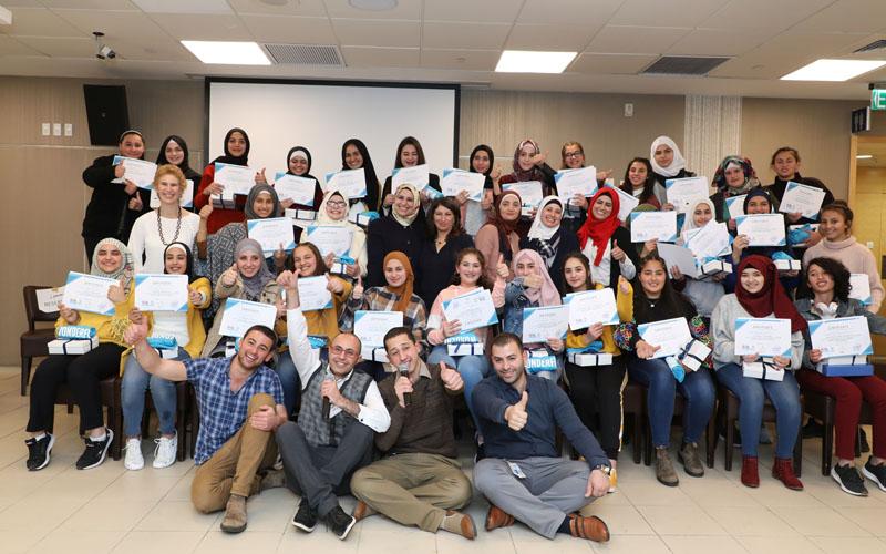 התלמידות שהשתתפו בקורס היזמות הטכנולוגית של אינטל (צילום: ששון תירם)