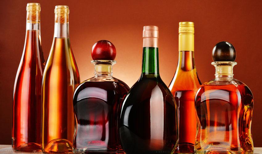 משקאות (צילום: פוטוליה)