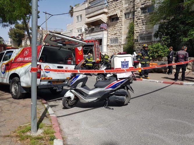 השריפה בבניין בשכונת ארנונה: נקבע מותו של הדייר שפונה במצב קריטי