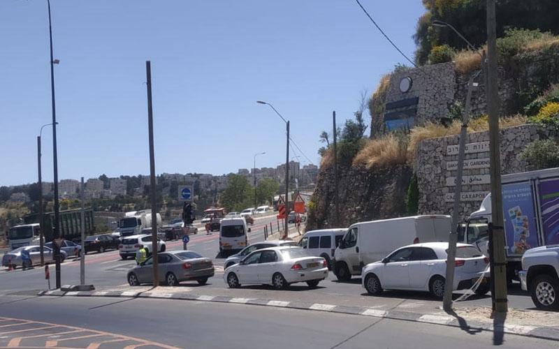 הפקקים בצומת סחרוב מכיוון גבעת שאול, הבוקר (צילום: שלומי הלר)